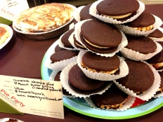 Chocolate-Whoopie-Pie-Pie-Party-GE