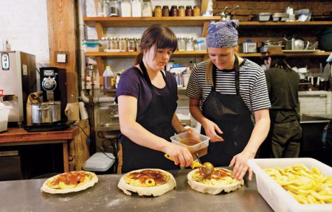 melissa and emily elsen, owners of four and twenty blackbirds in brooklyn