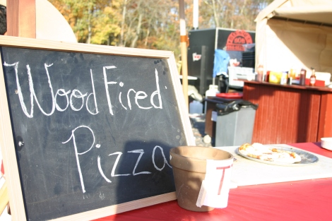 wood fired pizza at harvest moon farm orchard