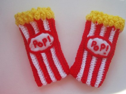 popcorn fingerless glove best foodie gift